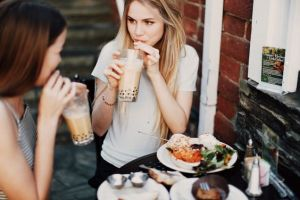 Alice and I bond over coffee and desserts. I think I'll ask Alice over to visit this week.......: