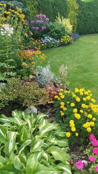 Backyard flower garden and landscaping design | Backyard ...