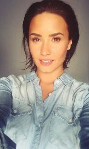 demi lovato sexy and makeup