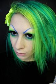 cool hair. crazy green & yellow