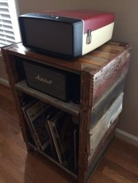 Record player stand, Vinyl storage and Record player on ...