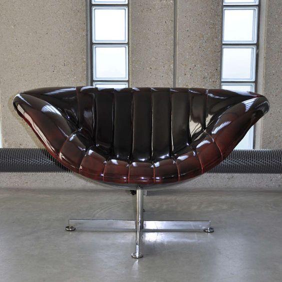 Two Beautiful Shiny Rohe Lips Arm Chairs Deep Dark