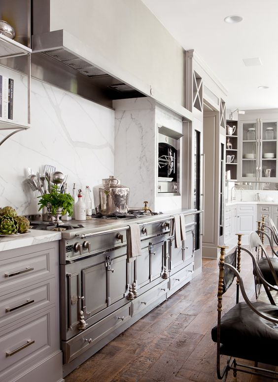 La Cornue ~ white marble. #white #kitchen #design: