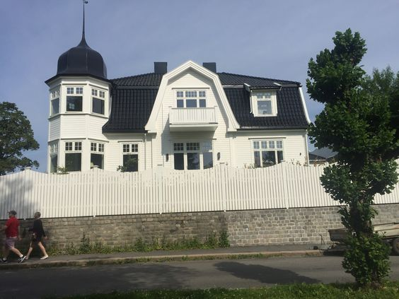 Beautiful Example Of Norwegian Home Design Love The White Paint