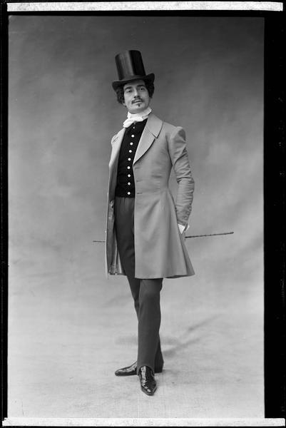 Jean Périer, 1901 - Nadar.: