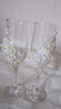 Nice way to decorate plain glasses - with small ribbon ...