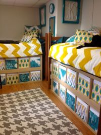 17 Smart + Simple Ways to Decorate Your Dorm Room   Fabric ...