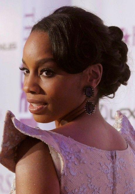 30 Elegant Low Bun Hairstyles For African American Hairstyles
