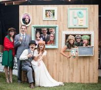 Photo booth wall - photo themed party | Photo booth ...