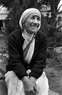 """Beautiful picture of Mother Teresa, who once said, """"If you want to change the world, go home and love your family!!"""""""