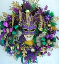 Mardi gras, Wreaths and Door wreath on Pinterest
