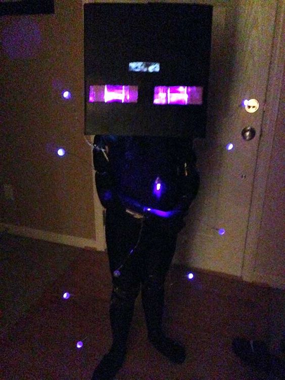 Minecraft Enderman Halloween Costume with the instructions
