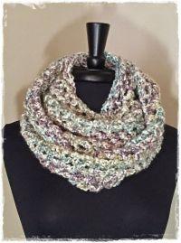 Chunky cowl with Lion Brand Homespun yarn. Easy cowl scarf ...