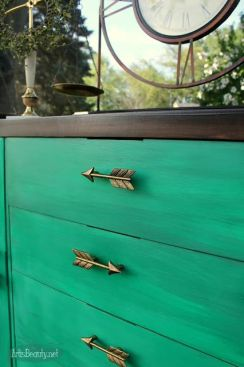 ART IS BEAUTY: From Dirty Blonde to Gorgeous Green Buffet Makeover