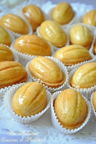 El Djouza Algerian Cakes Shaped Like Walnuts Cooked In