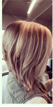 line stacked bob hair
