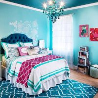 super cute girls bedroom // love the navy and the ...