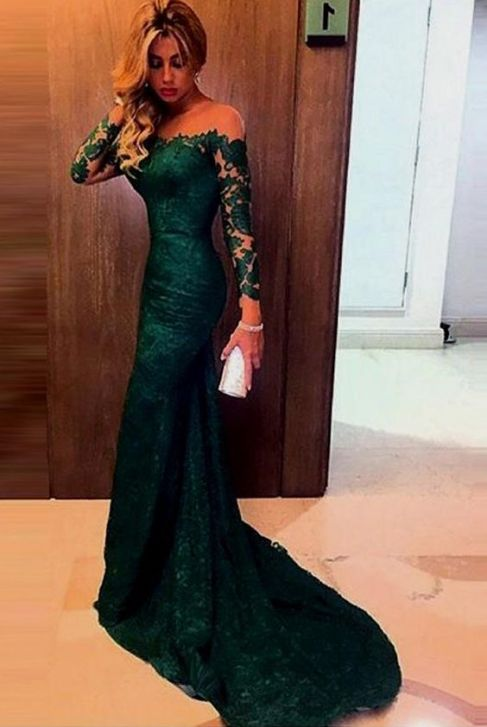 Emerald green is an amazing color for mermaid prom dresses!