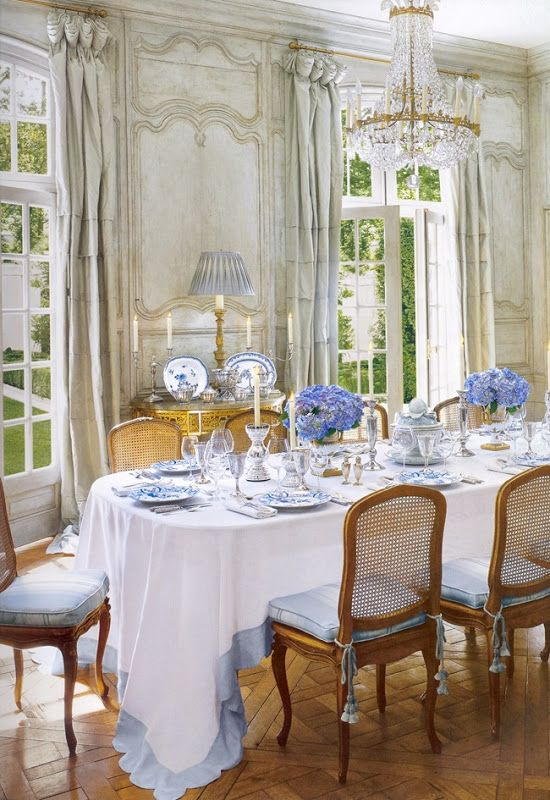 French paneled dining room at the house of interior designer Ginny Magher. Source: The Houses of Veranda.: