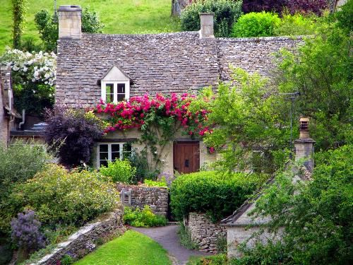 I need to live here Just for a spell Cottage at Bibury