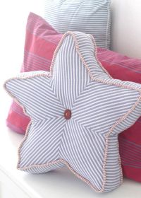 Pillows, Stars and Pillow tutorial on Pinterest