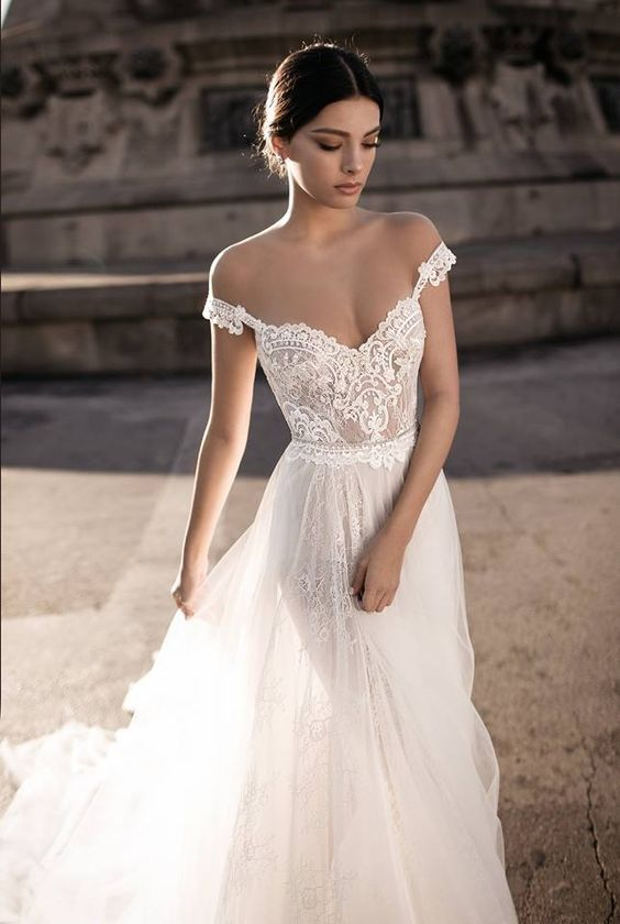 Off the shoulder wedding dress | Gali Karten 2017 Haute Couture Bridal | ElegantWedding.ca: