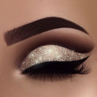These eye makeup tips will help you master your go-to eye look!