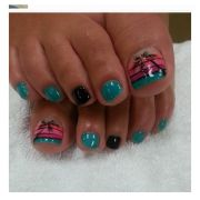 pretty toenail art design