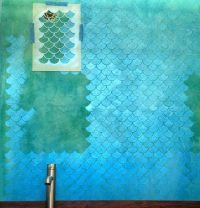 Fish scale wall diy tutorial stencil and metallic paint ...