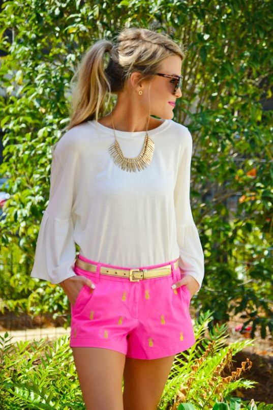 Golden pineapples are perfect for a preppy outfit!