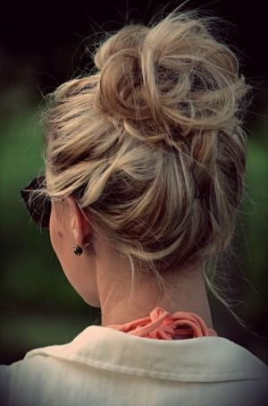 The perfect messy bun, never knew til now how important this is to know: