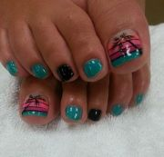 pedicures silver nails and beaches