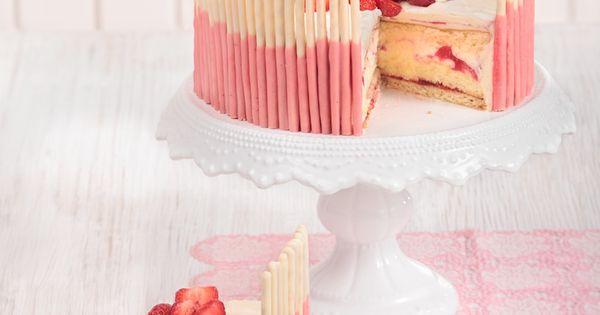 Erdbeertorte mit weier Schokolade Strawberry cake with white chocolate  MIG Foto Maike