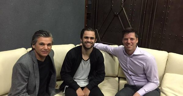 hanging kids chair folding rentals orlando bobby schuller out with jentezen franklin and jake fouquier at juce tv network.