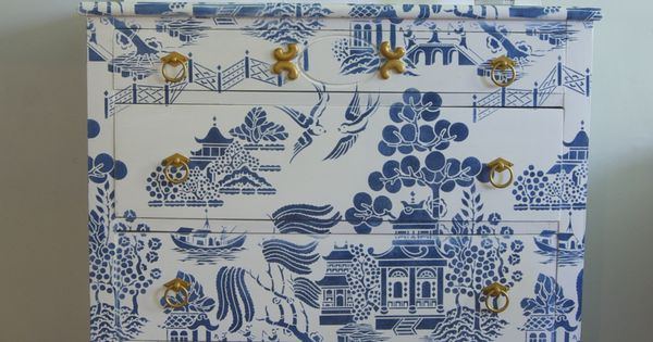 chalk paint in pure white and napoleonic blue  willow pattern stencil from stencil library