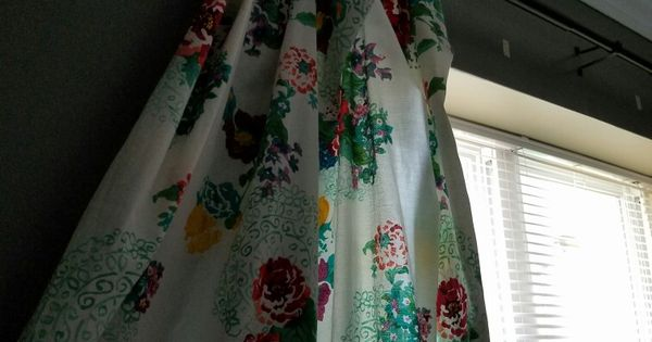 The pioneer woman curtains diy out of her tablecloths
