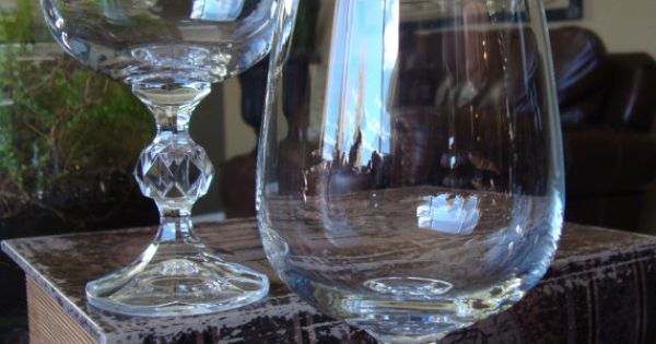 Set of 8 Crystal Wine Glasses with Facet Cut Ball Stem