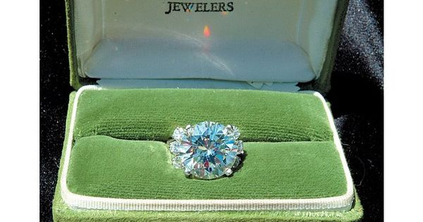 Ginger Aldens Engagement Ring Designed By Lowell Hays