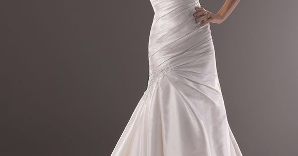 Finding The Perfect Best Wedding Dress For Small Bust Is