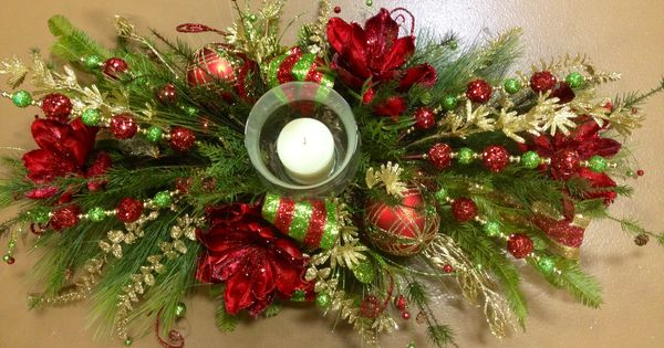 Christmas Centerpiece For Dinning Table.