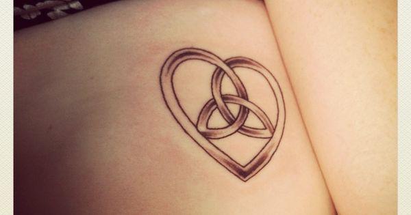 20 Trinity Knot Armband Tattoos Ideas And Designs