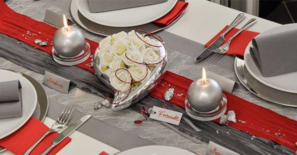 Tischdekoration zur Silberhochzeit grau mit rot kombiniert