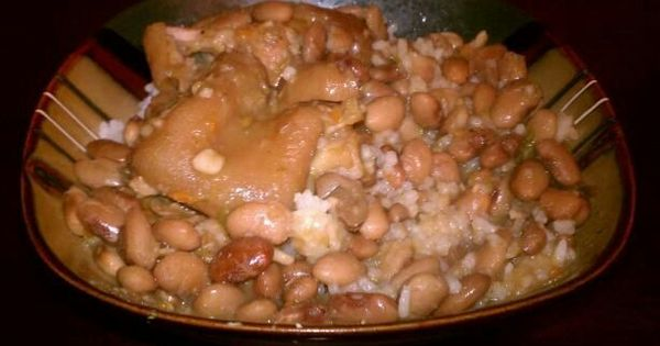 Pig feet pinto beans and rice SoulFoodie