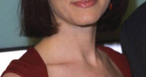 Bebe Neuwirth Height Weight Bra Size Age Body