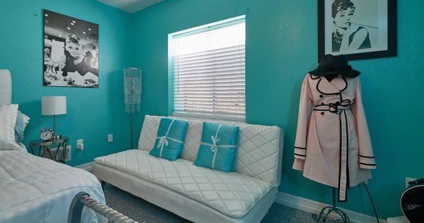 Audrey Hepburn  Breakfast at Tiffanys inspired bedroom
