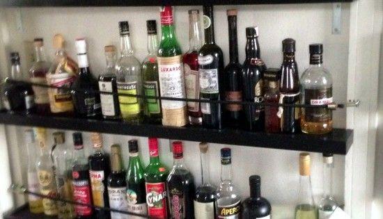 Liquor shelving  earthquake proof  for the home