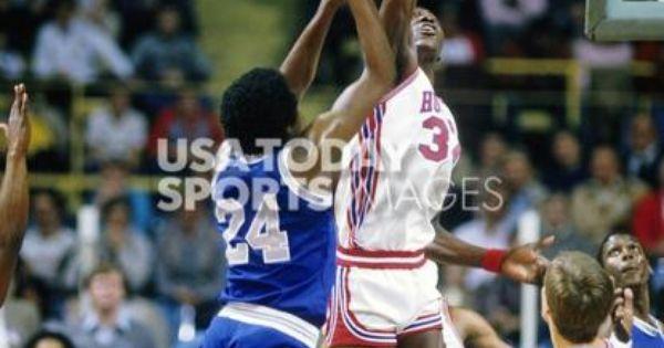 Keith Lee (Memphis State) and Akeem Olajuwon | Phi Slamma Jamma | Pinterest | US states and Memphis