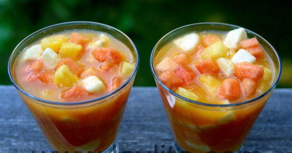 Come y bebe o ensalada de frutas  Recipe  Bebe