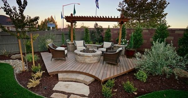 backyard corner deck with fire
