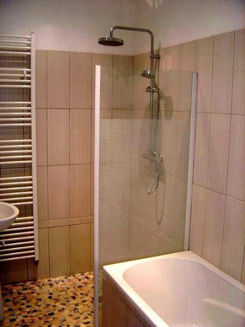 douche italienne et baignoire dans petite salle de bain  Recherche Google  maison  Pinterest